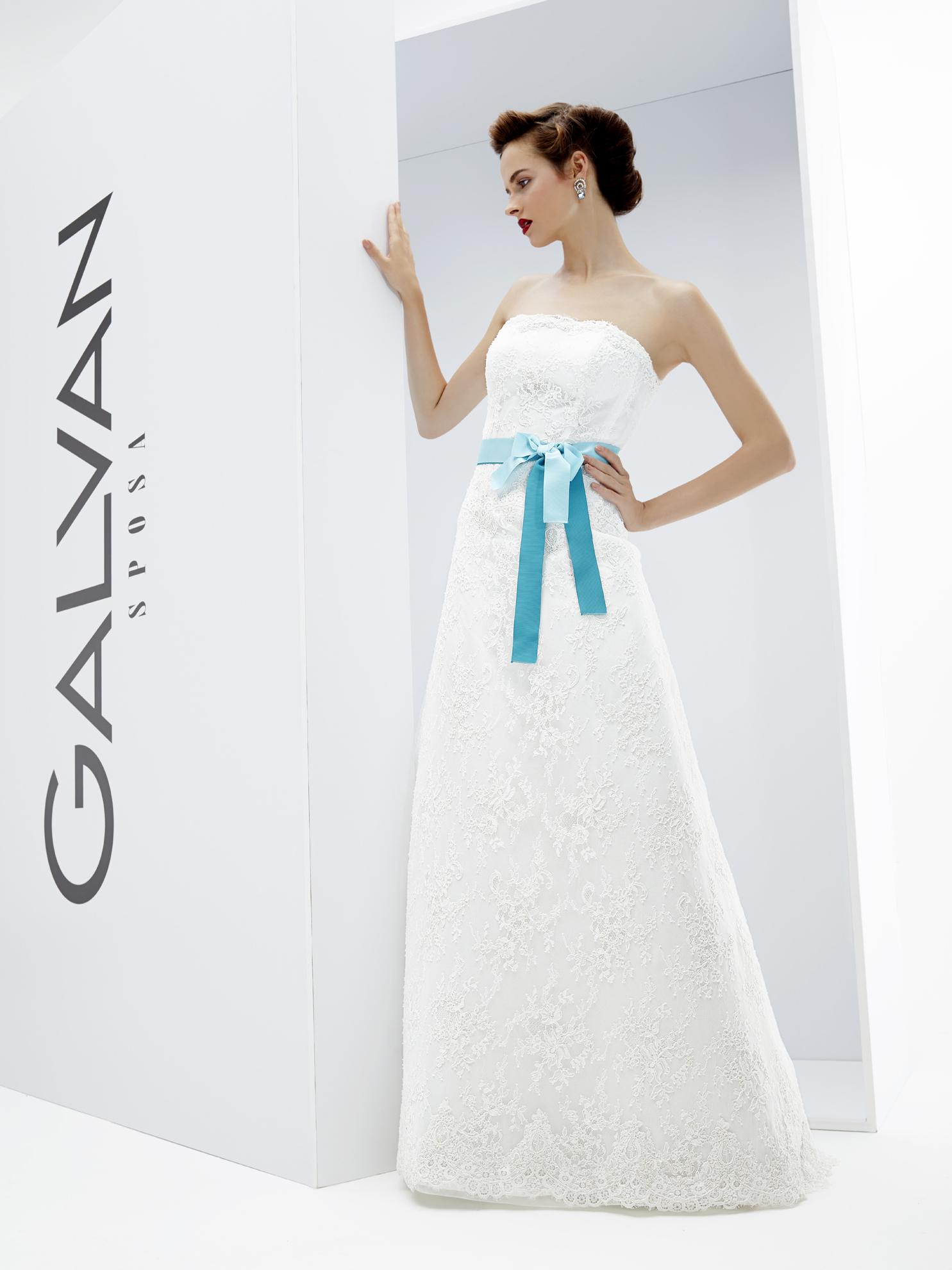 Vestiti Da Sposa Tiffany.Abito Da Sposa Venere Della Collezione Galvan Sposa