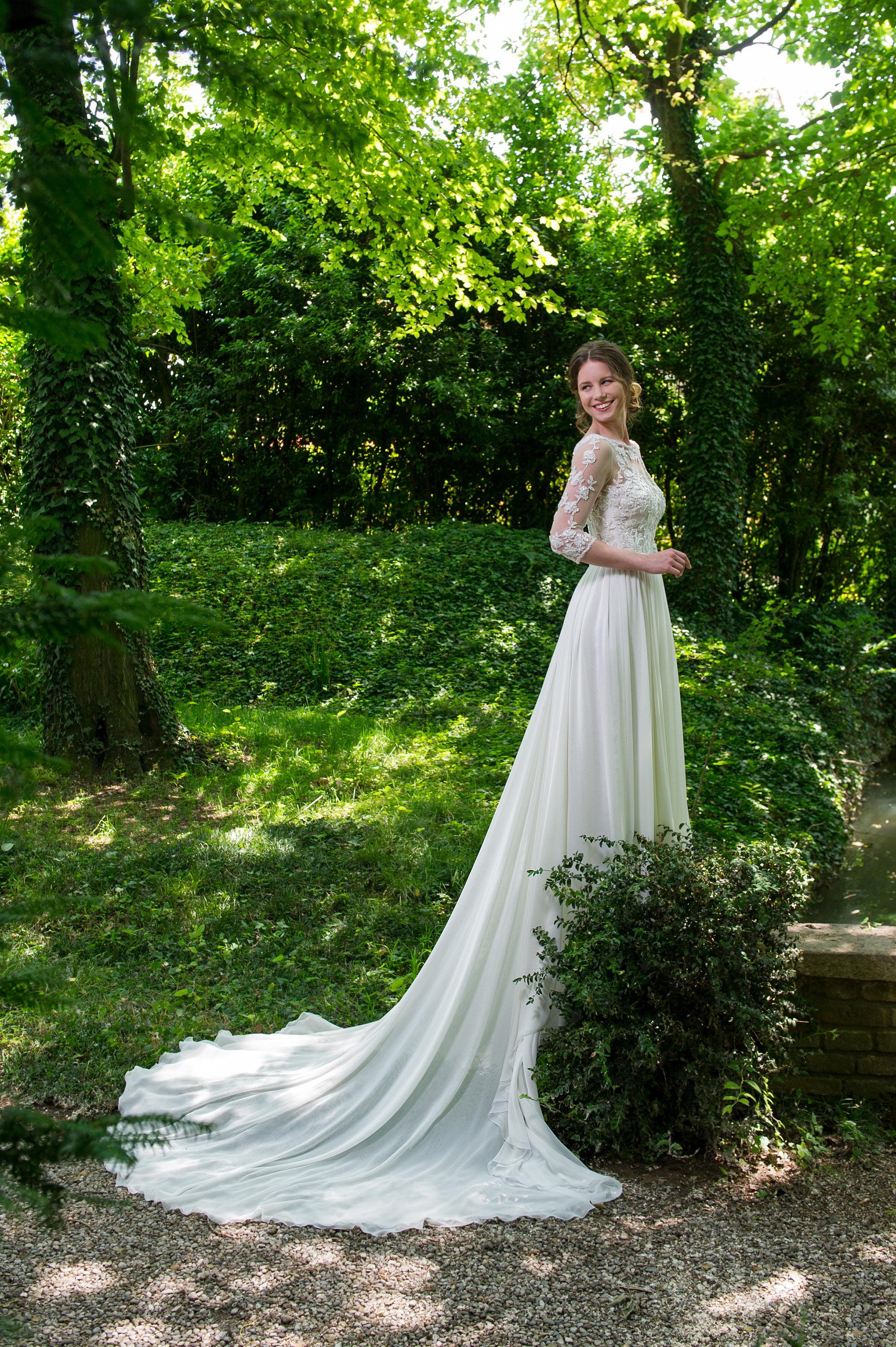 Abito da sposa Chiara della collezione Galvan Sposa 6fc74e6a991b