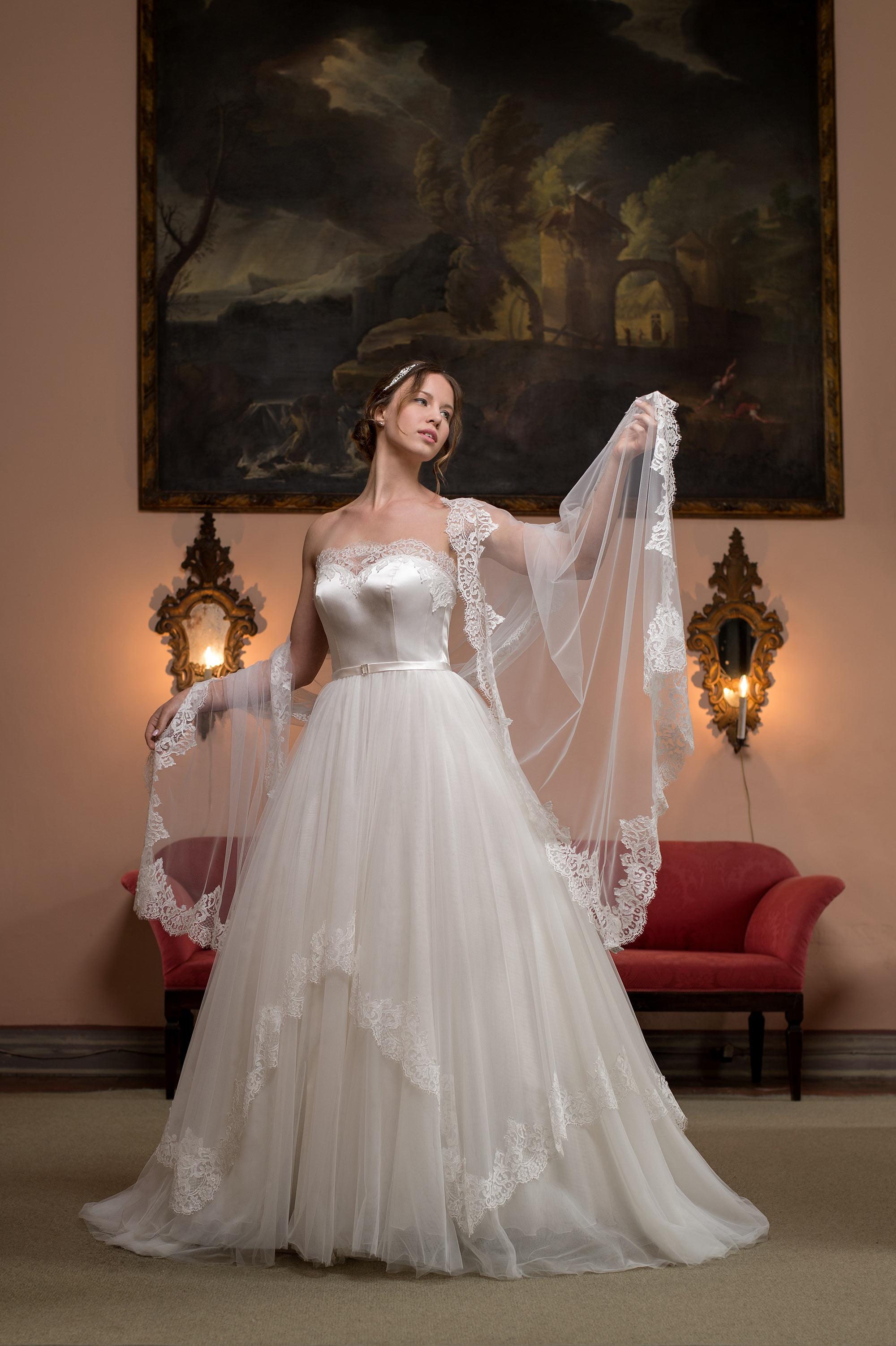 3482acb12b7c Abito da sposa su misura  H 160