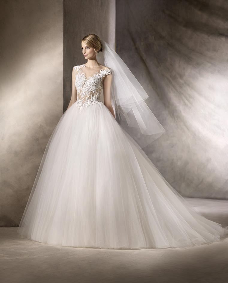 abito da sposa vaporoso pronovias